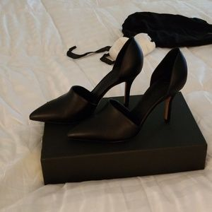 Bergdorf Goodman Vince Cuoio made in Italy heels